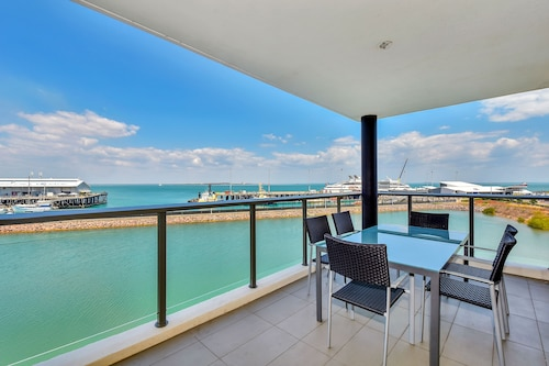 . Accommodation at Darwin Waterfront