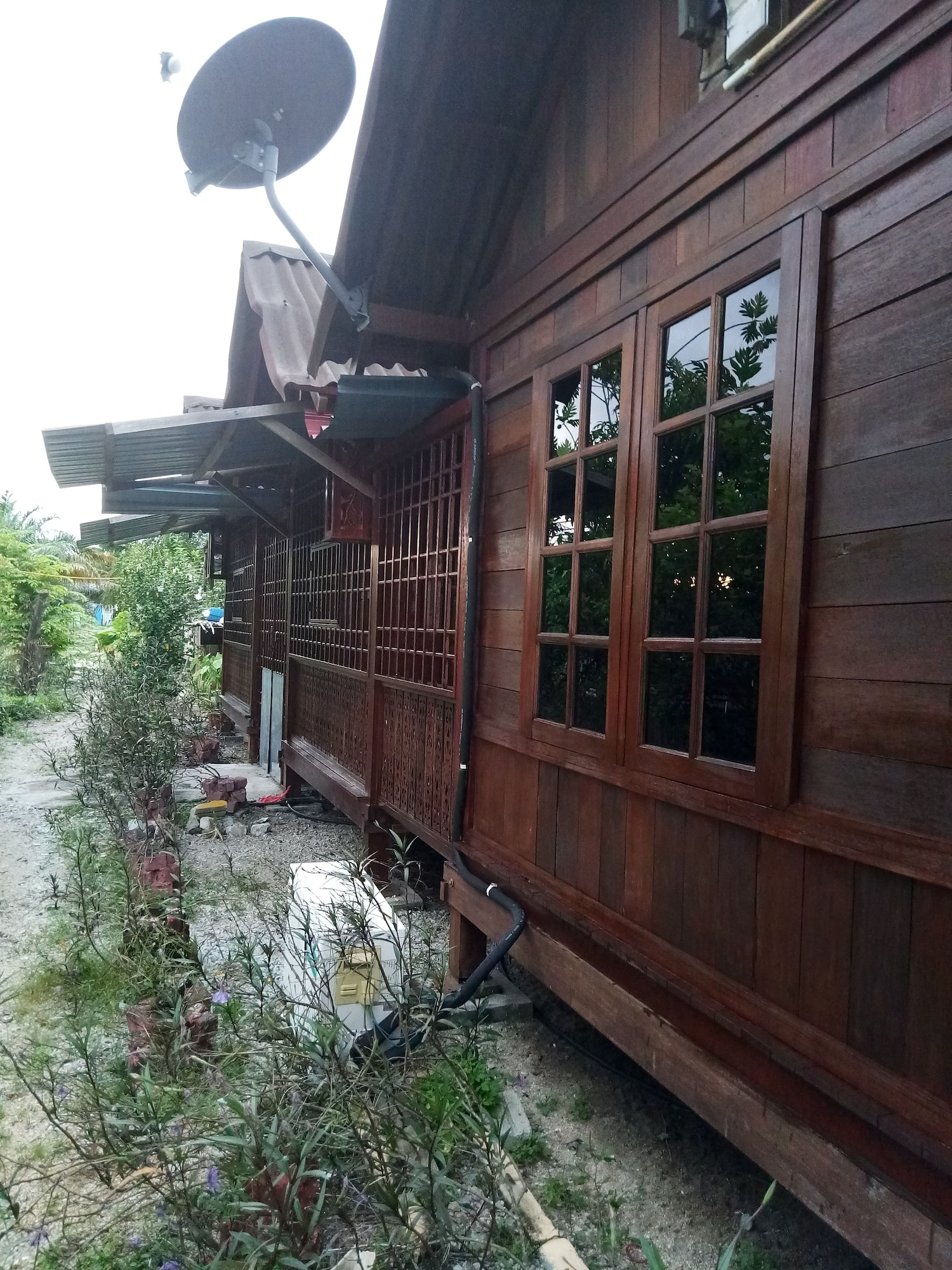 YC Chalet Roomstay Lekir, Manjung