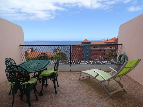 Apartment With one Bedroom in Caniço, With Wonderful sea View, Balcony, Santa Cruz