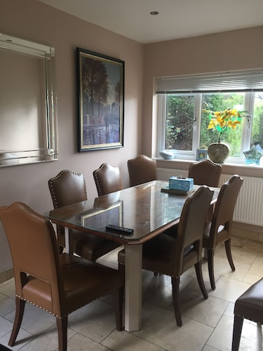 Edgware Bed and Breakfast, London
