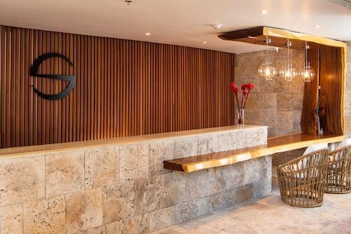 S Hotel Jamaica,