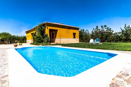 . Villa Lucrecia