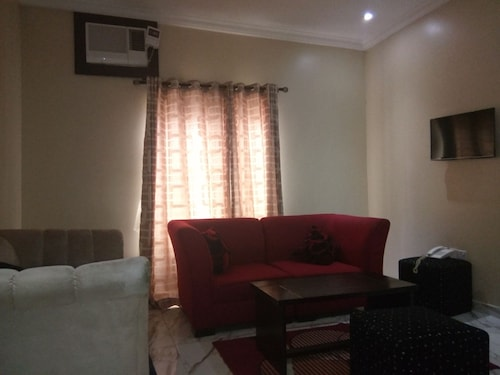 Allen Suites, Enugu North