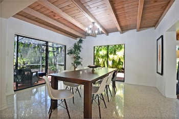 Walk to the Beach / Ride to the Village / Pool Home in Siesta Key - Fr