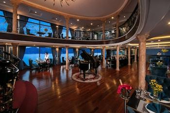 Le Theater Cruise