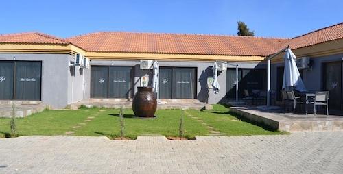 Lana's Boutique Hotel, Ngaka Modiri Molema