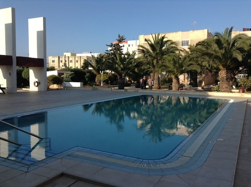 St Paul's Bay - Luxury Seafront Apartment With Pool - z Katowic, 23 kwietnia 2021, 3 noce