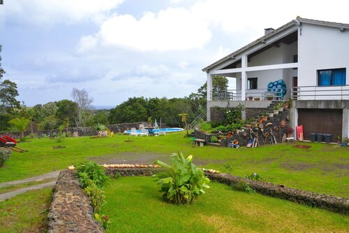 Villa With 4 Bedrooms in Fenais da Luz, With Wonderful sea View, Priva, Ponta Delgada