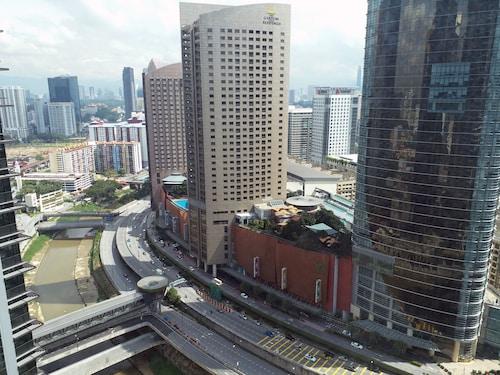 Cosy 2BR Pad Across Gardens Mall KLEC2, Kuala Lumpur