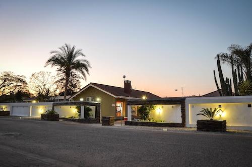 . City Square Lodge