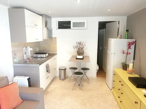 studio in estoril, with wonderful city view and wifi - 100 m from the beach, Cascais
