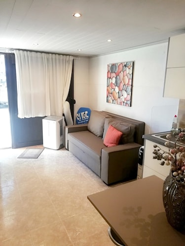 Studio in Estoril, With Wonderful City View and Wifi - 100 m From the, Cascais