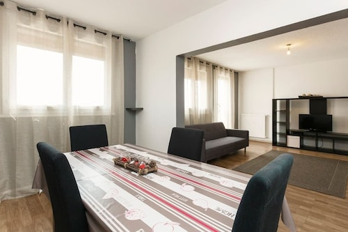 . Modern Appart 75m2 - 2 rooms -parking