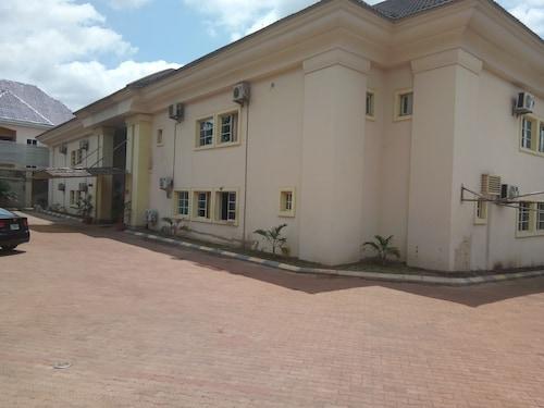. Eden Crest Hotel & Resort