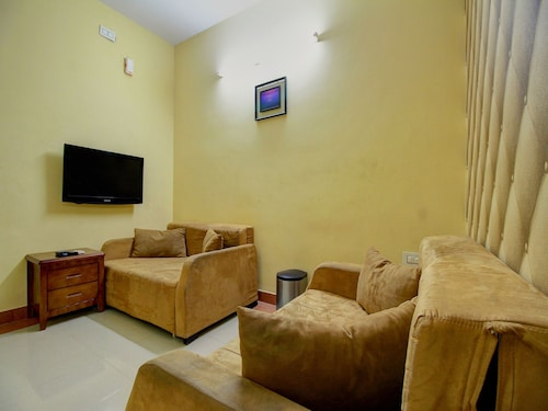 OYO 7021 High Point Serviced Apartment, Tiruchirappalli