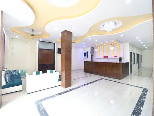 OYO 16694 Hotel Kb Square, Chandigarh