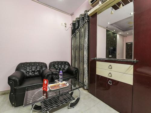 OYO 17017 Mu Stay Guest House, Gautam Buddha Nagar