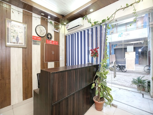 OYO 16735 Gaurav Residency, Panchkula