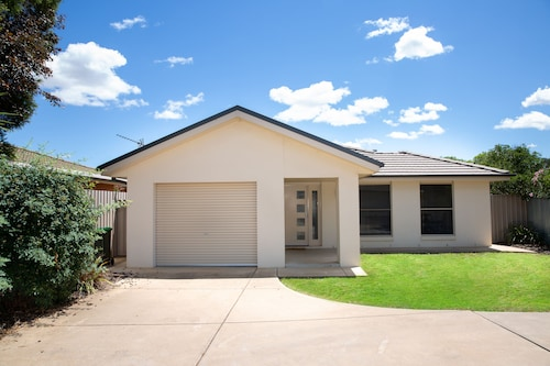 Best Central Accommodation, Wagga Wagga - Pt A