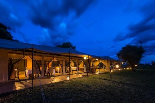 River Camp, Serengeti