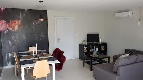 Apartments Levante, Nin