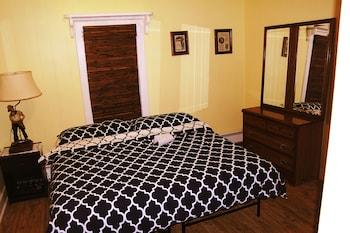 Basic Room, 1 Queen Bed, Non Smoking