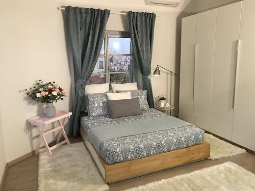 . Dina's House