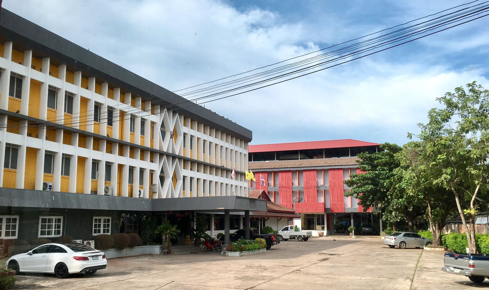 Montree Hotel, Muang Chai Nat