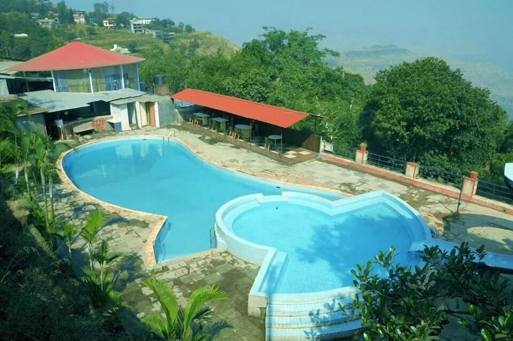 Mount Castle Resort