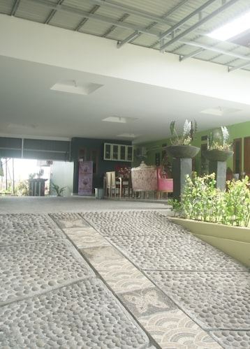Rumah Kost MAPLE Winangun, Manado