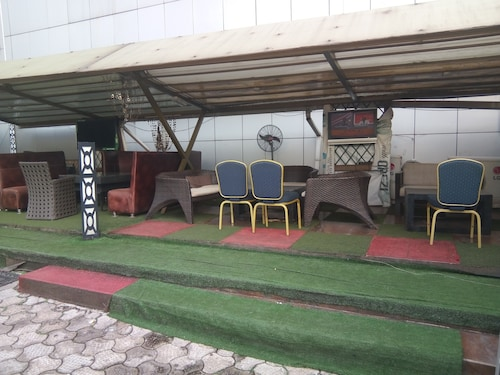 Top Rank Hotel Galaxy Enugu, Enugu North