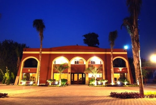 Sakkara Country Club Hotel, Unorganized in Al Jizah