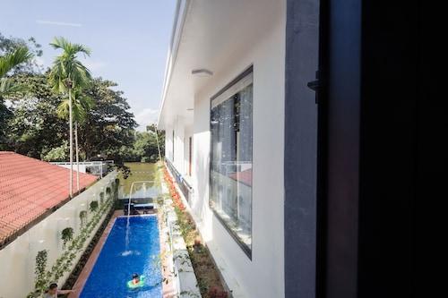 Avon Hotel, Huế