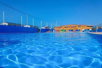 Karavan, Havuz Manzaralı
