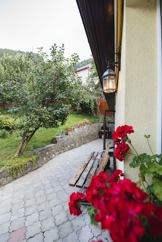 Villa Larisa, Brasov