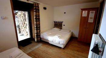 Comfort Quadruple Room, Multiple Beds, Non Smoking, Mountain View