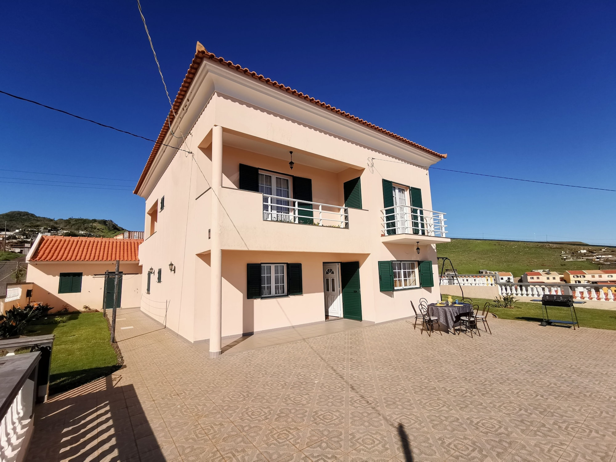 Villa Caniçal, Santa Cruz
