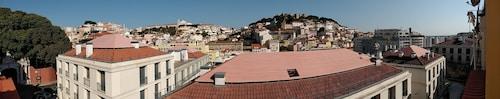 RH Moniz Top, Lisboa