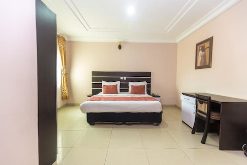 Royal Terrace Hotel & Towers, Oshodi/Isolo