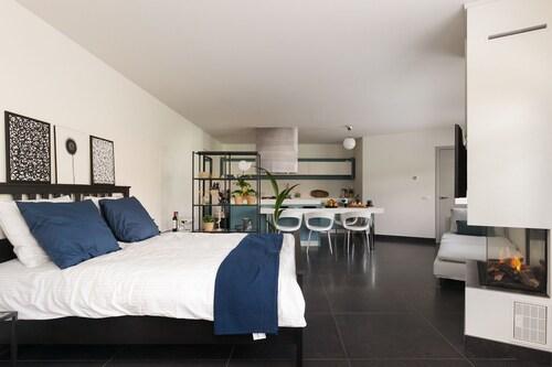 Luxurious Loft Apartment, Delft