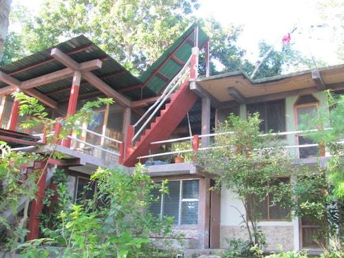 Zapote Tree Inn, Flores