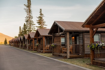 Grand Teton Queen Cabin 5