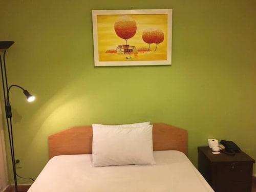 Gia Huyen 1 Hotel, Quận 4