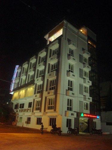 . Hotel Hilltop International