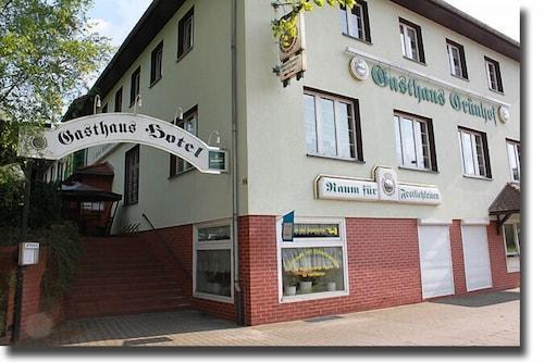 . Gasthaus & Hotel Grünhof