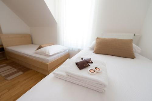 Postojna Cave Rooms & Apartments Proteus, Postojna