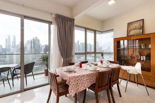 Cozy Nest in the Heart of Sultan Ismail Streets, Kuala Lumpur