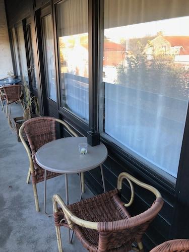 The Bliss Hotel Kitchen & Deli, Sluis