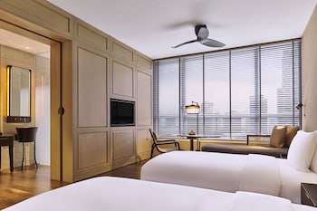 Deluxe Twin Room with Minibar