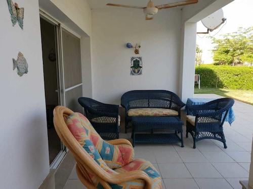 Chalet in Little Venice Golf Resort, 'Ataqah